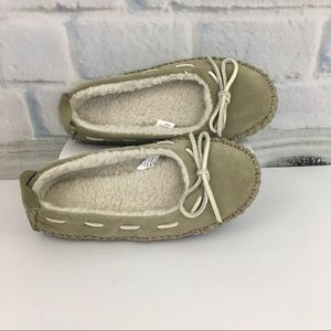 LL Bean Woman's Slippers NWOB